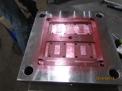 东莞塑胶模具厂