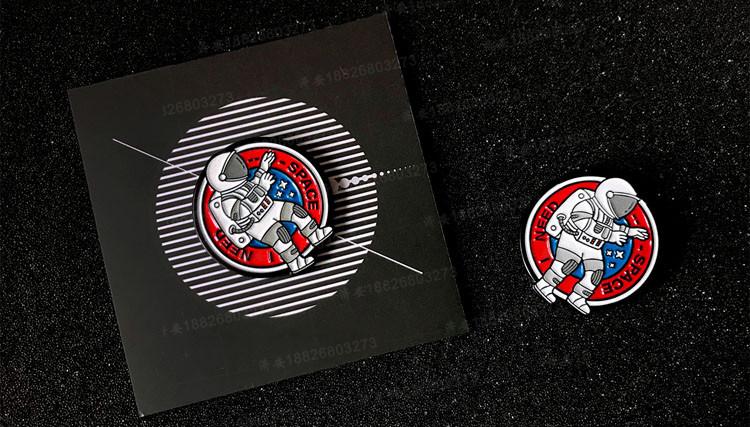 宇航员夜光胸针pin徽章 ins潮流风格背包配饰