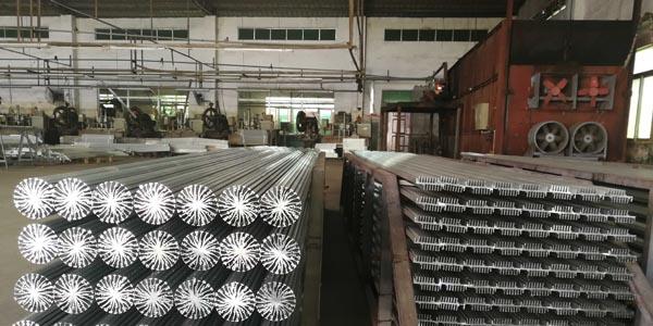 大岭山铝型材散热器