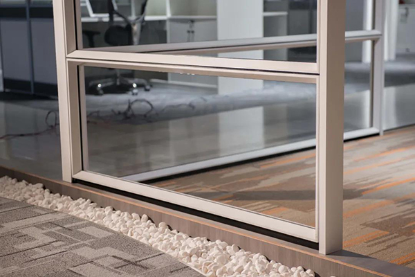 隔断型材结构—内钢外铝
