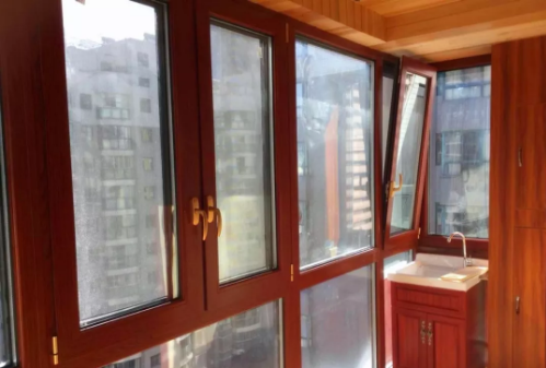铝木门窗安装