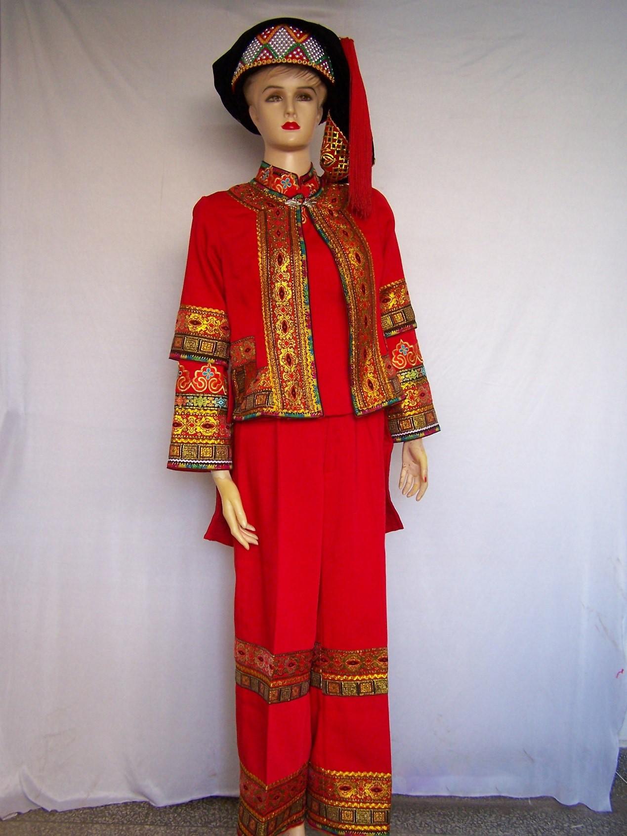 哈尼族表演服装