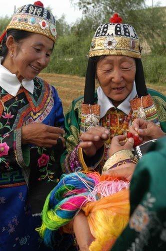 蒙古族传统服饰制作