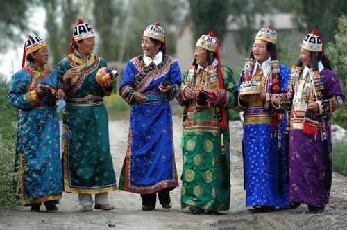 蒙古族服饰2
