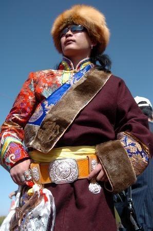 蒙古族服装1
