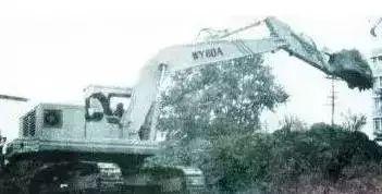 合肥矿山机器厂生产的WY60型号挖掘机