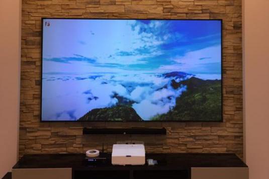激光电视可以像普通电视一样的观看吗