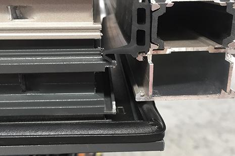 X106T外開上懸金鋼網內推拉窗細節