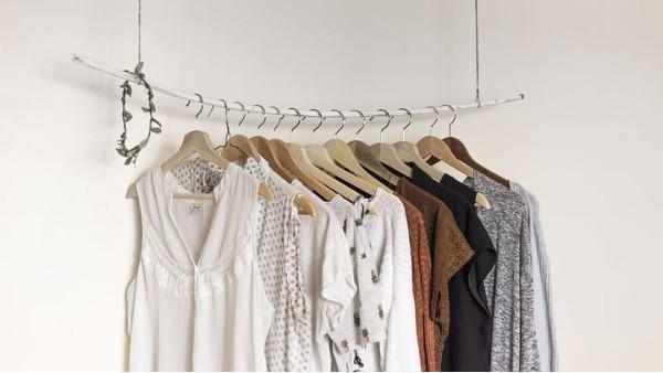 賣衣服衣架批發店