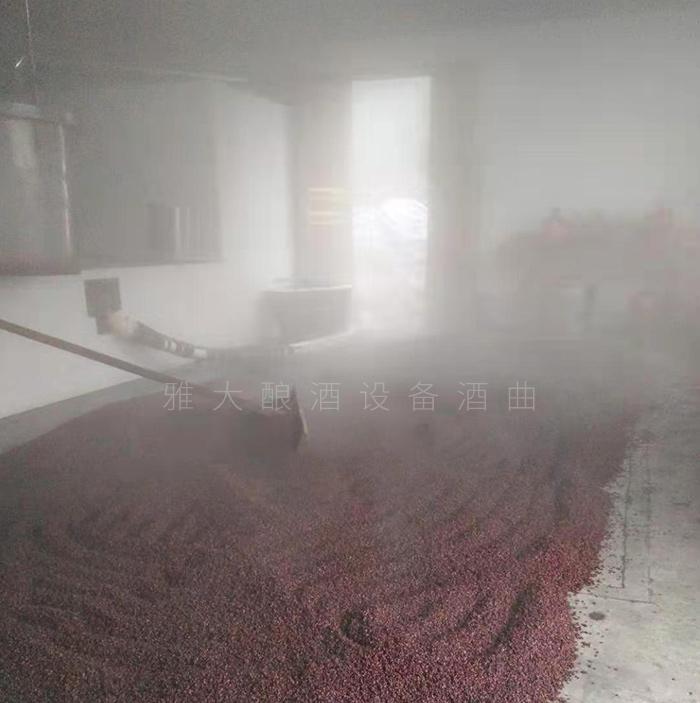 从厨师到酿酒师,用全自动酿酒设备酿出美酒,酿出红火日子