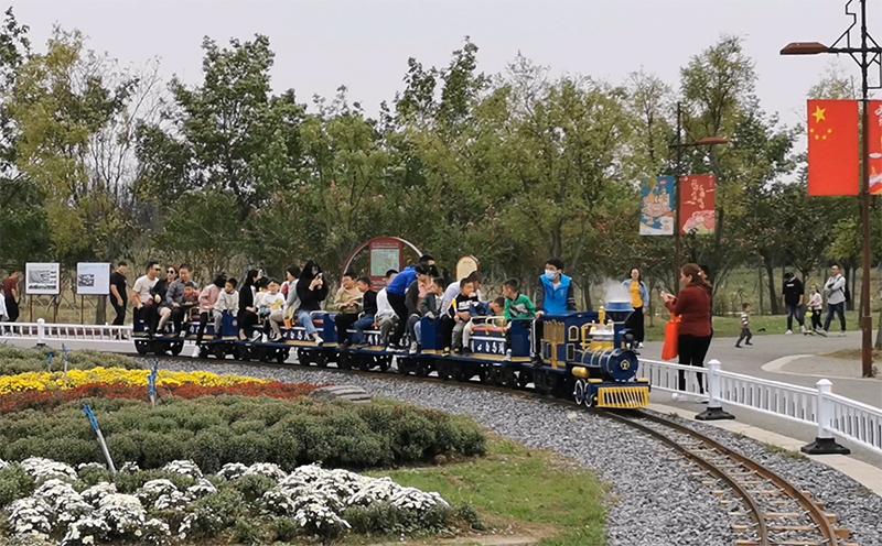 白马湖网红小火车