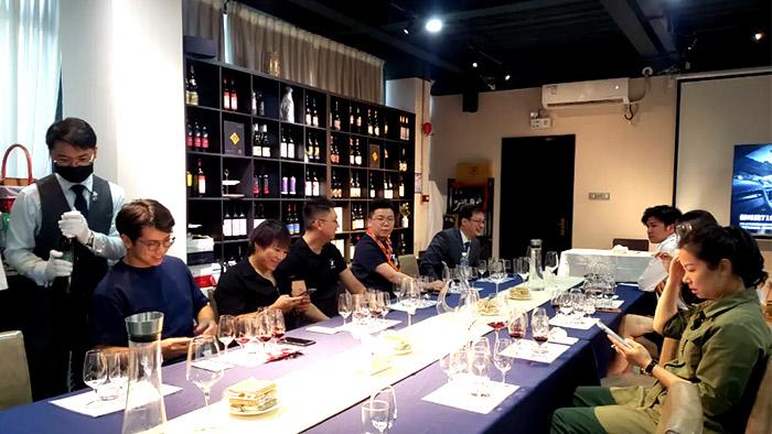 中菲酒庄-国产葡萄酒-品鉴会-新疆葡萄酒