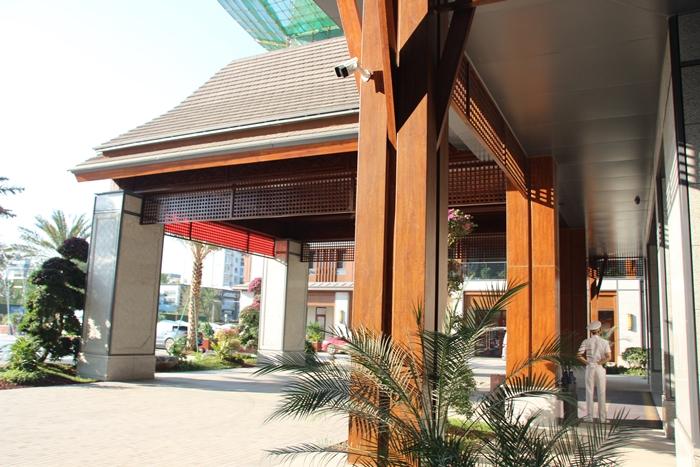 西雙版納春江明月高檔小區室外鋁單板裝飾項目